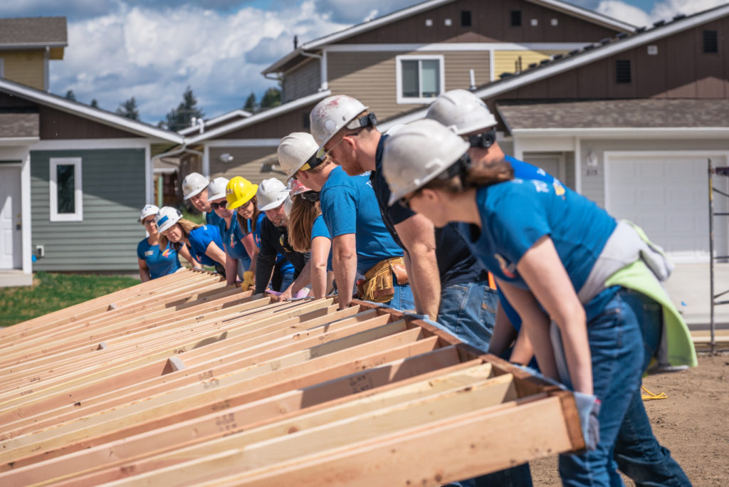 Blitz Build Volunteers Bank of America